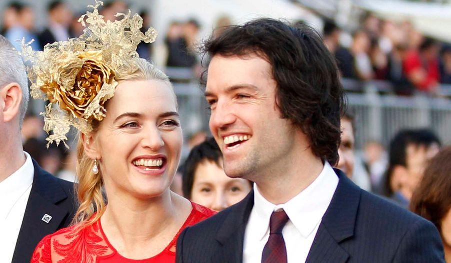 Kate Winslet a épousé au début du mois, et dans le plus grand secret, Ned Rock'nroll, le neveu de Richard Branson. L'actrice de 37 ans avait déjà convolé avec le cinéaste Jim Threapleton, avec qui elle a eu une petite fille, Mia Honey Threapleton, née le 12 octobre 2000, et le réalisateur de «Skyfall» Sam Mendes, avec qui elle a eu un garçon, Joe Alfie Winslet Mendes, le 22 décembre 2003. Comme elle, Nicole Kidman, Bruce Willis ou encore Johnny Hallyday ont dû se remarier, parfois plus d'une fois, pour trouver chaussure à leur pied. Voici en image une liste, bien sûr non exhaustive, de ces remariages réussis.