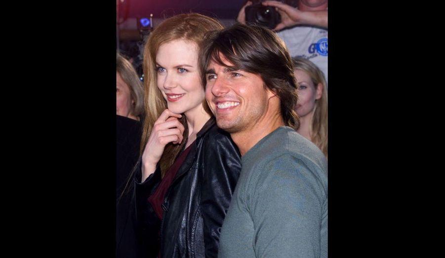 """Auparavant, la belle Australienne a été mariée 10 ans avec Tom Cruise, rencontré sur le tournage de """"Jour de tonnerre"""", et à qui elle avait dit «oui» le 24 décembre 1990. Après qu'elle eut fait une grossesse extra-utérine, le couple avant adopté une petite fille, Isabella Jane, en janvier 1993, et un petit garçon, Conor Anthony, en février 1995. Mais les deux acteurs se sont séparés aux premiers jours de l'année 2001."""