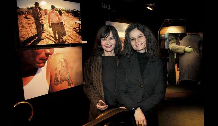 Evelyne Bouix et sa fille Salomé Lelouch, scénariste et directrice du Ciné 13 Théâtre.