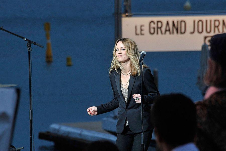 "Vanessa Paradis chante sa chanson ""Love Song"" au Festival de Cannes 2013"