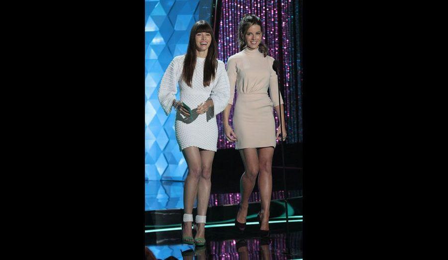 Les deux jeunes comédiennes ont présenté la récompense du meilleur casting, attribuée à la deuxième partie de «Harry Potter et les Reliques de la mort».