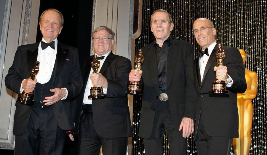 George Stevens Jr est le fondateur de l'American Film Institute, DA Pennebaker a été récompensé pour avoir permis la révolution du film documentaire, Hal Needham est celui qui a inventé de nouvelles façons de diriger de périlleuses cascades et Jeffrey Katzenberg, le chef du studio DreamWorks Animation, a été honoré pour avoir permis de récolter des millions de dollars pour des oeuvres de charité.