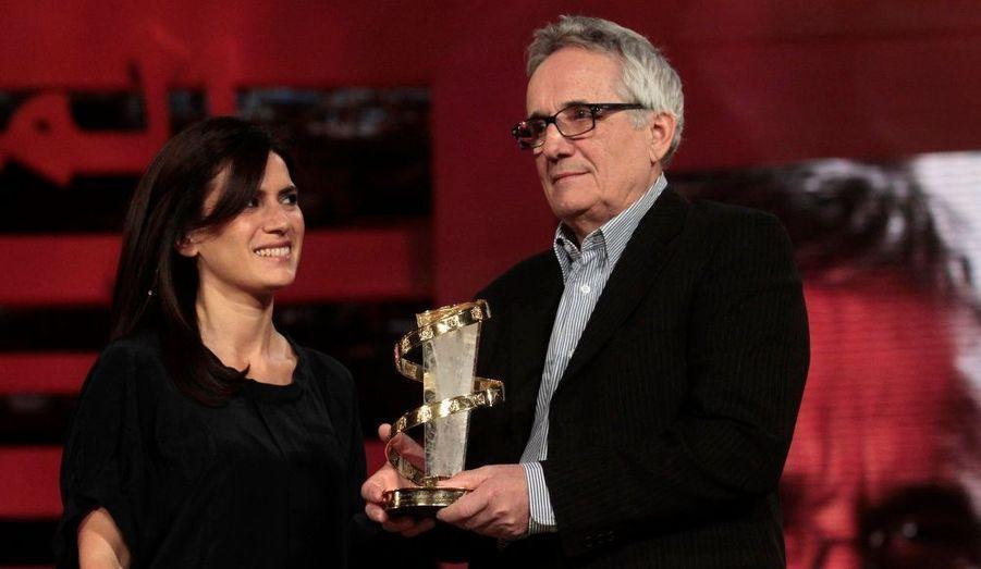 L'actrice italienne a remis à son compatriote réalisateur un prix pour l'ensemble de sa carrière.