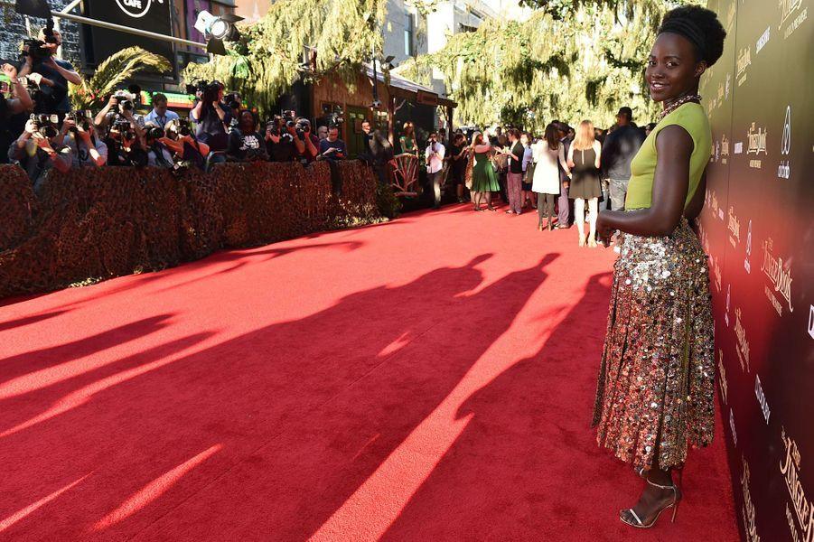 """Lupita Nyong'o à l'avant-première du """"Livre de la Jungle"""" à Los Angeles, le 4 avril 2016"""