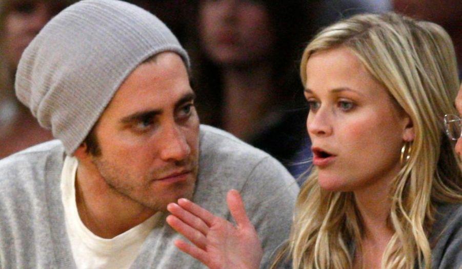 L'actrice Reese Witherspoon et l'acteur Jake Gyllenhaal se sont séparés, croit savoir le magazine People. Les deux comédiens étaient en couple depuis l'été 2008. Reese Witherspoon a été mariée pendant sept ans à l'acteur Ryan Philippe, avant de divorcer en 2006. Elle a obtenu un oscar pour son rôle dans le film sur la vie de Johnny Cash, Walk The Line. Jake Gyllenhaal, lui, a été présélectionné aux oscars en 2006 pour son rôle dans Le Secret de Brokeback Mountain. Il sera bientôt dans le très attendu Prince of Persia.