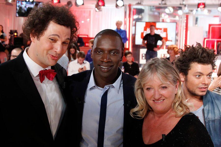 Eric Antoine, Omar Sy et Charlotte de Turckheim, Kev Adams lors de l'enregistrement de «Vivement Dimanche» à Paris, le 1er octobre 2014