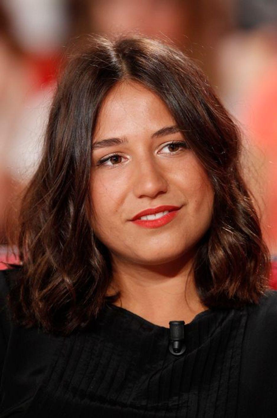Izia Higelin lors de l'enregistrement de «Vivement Dimanche» Omar Sy à Paris, le 1er octobre 2014