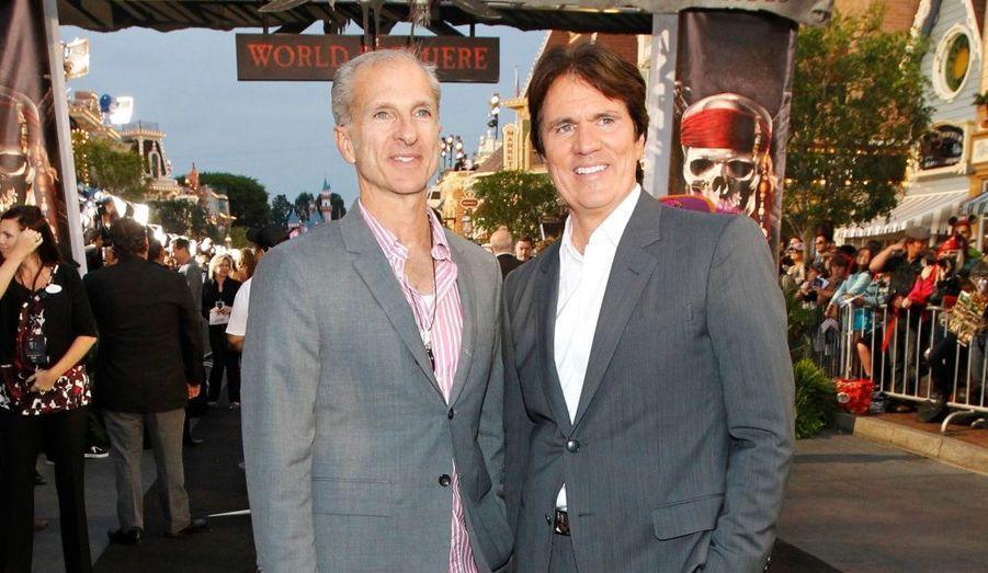 Le réalisateur du film Rob Marshall (à droite), aux cotés de son partenaire John DeLuca, reprend le flambeau à Gore Verbinski qui a réalisé les trois premiers films.
