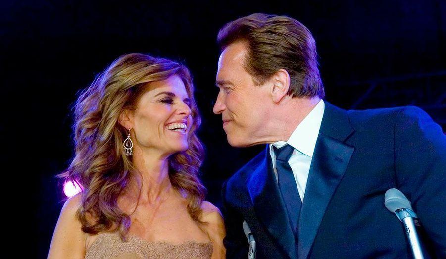 Leur histoire s'est terminée par un scandale. Mariés depuis 25 ans, Arnold Schwarzenegger et Maria Shriver se sont séparés après qu'une de leur domestique a annoncé dans la presse qu'elle avait eu des relations sexuelles avec l'acteur et avait donné naissance à un fils.