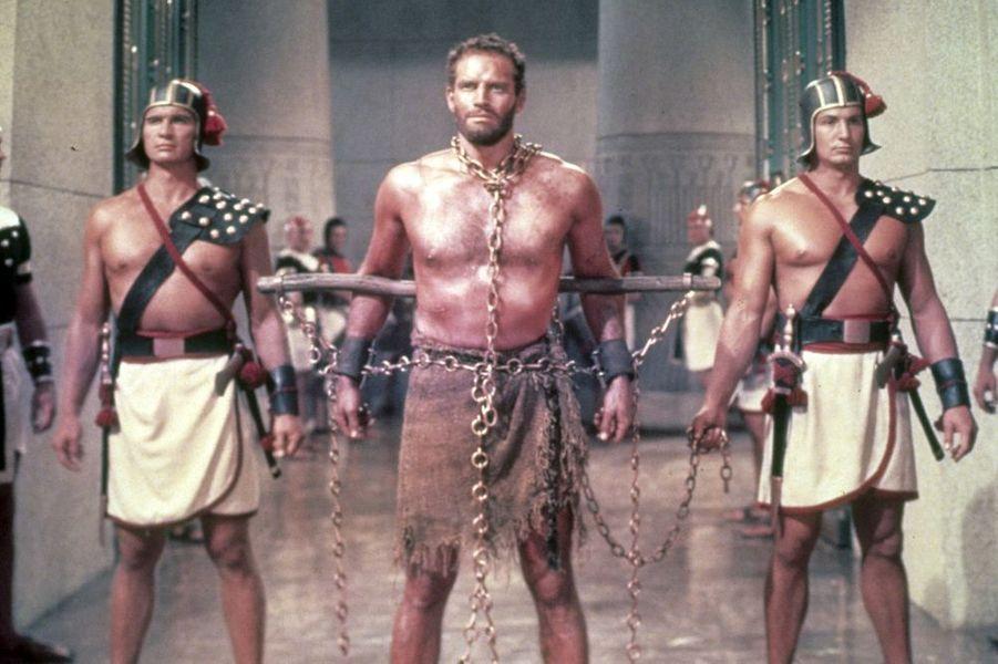 """Charlton Heston dans les """"Les dix commandements"""" de Cecil B. DeMille (1956)"""
