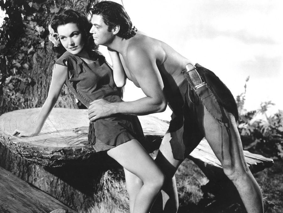"""Johnny Weismuller dans """"Tarzan, l'homme singe"""" (1932)"""