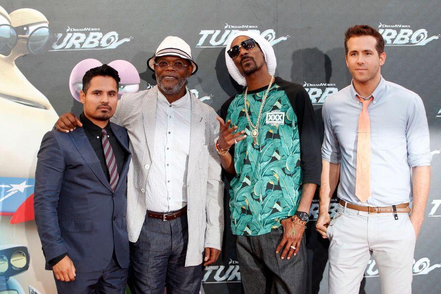 Michael Pena, Samuel L. Jackson, Snoop Dogg et Ryan Reynolds