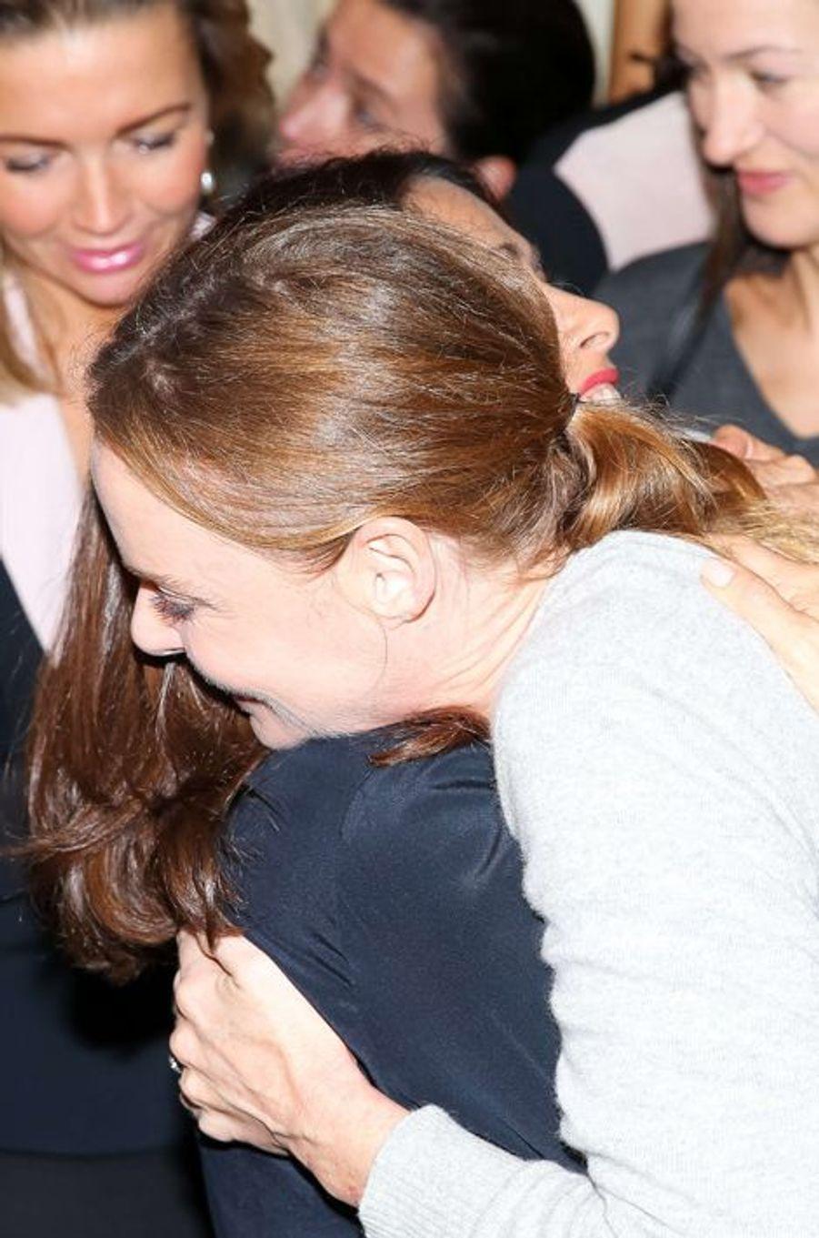 Salma Hayek avec Stella McCartney à Paris, le 29 septembre 2014.