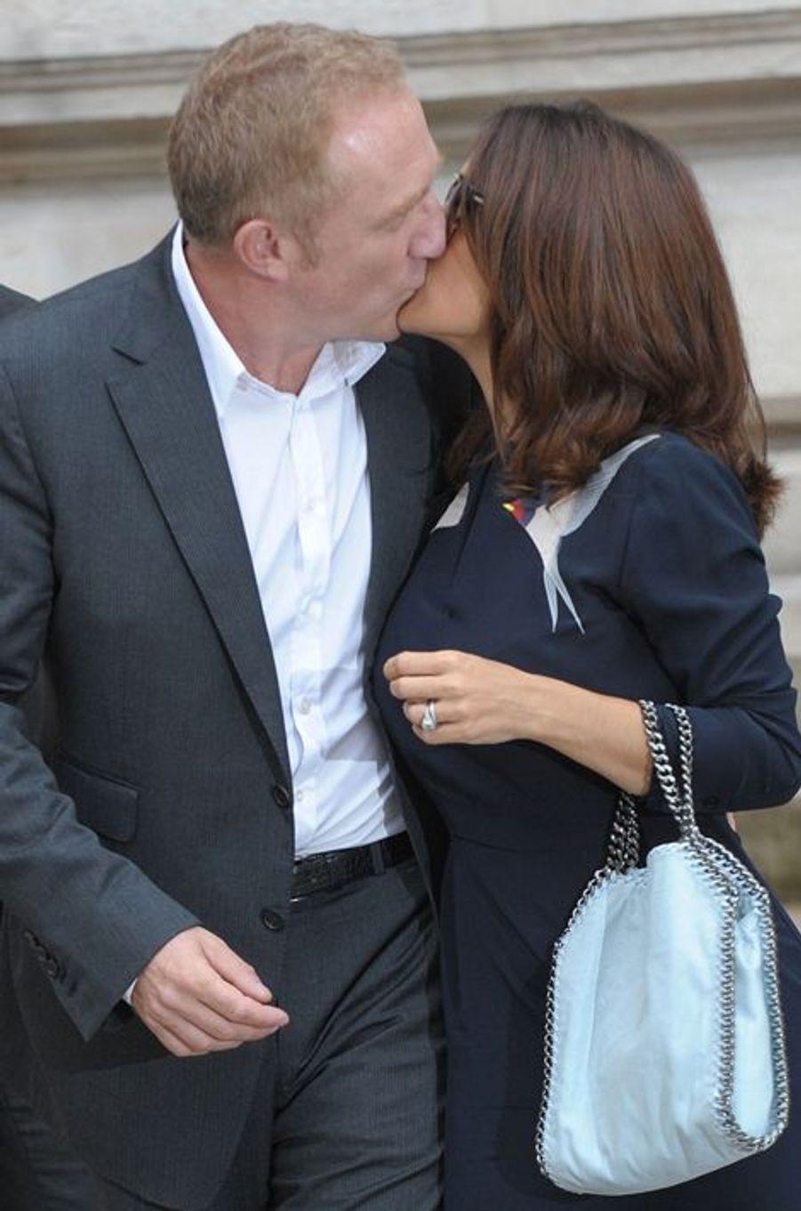 Salma Hayek et François-Henri Pinault quittant le défilé de Stella McCartney à Paris, le 29 septembre 2014.
