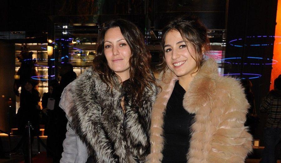 """L'actrice de """"Polisse"""" Karole Rocher et la chanteuse Izia Higelin."""