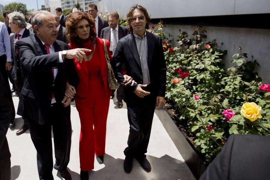 Sophia Loren inaugure l'exposition de ses 80 ans à Mexico, le 18 septembre 2014.