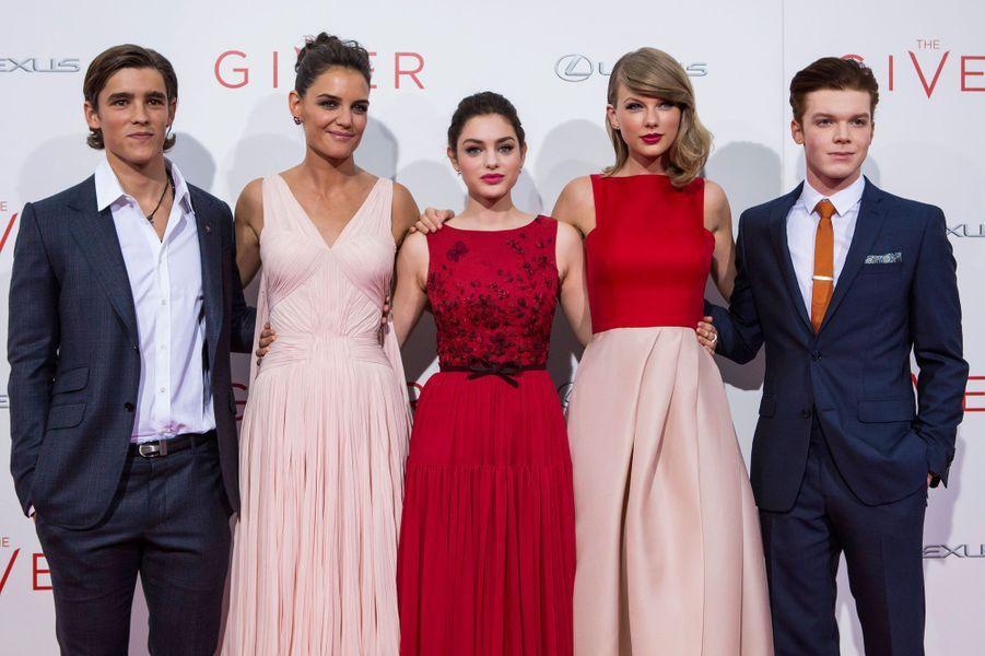 Brenton Thwaites, Katie Holmes, Odeya Rush, Taylor Swift et Cameron Monaghan