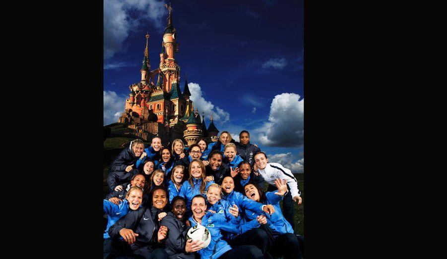 Un peu plus tôt dans l'année, certains sportifs sont venus fouler les rues du parc. Ici l'équipe de France de football féminin.