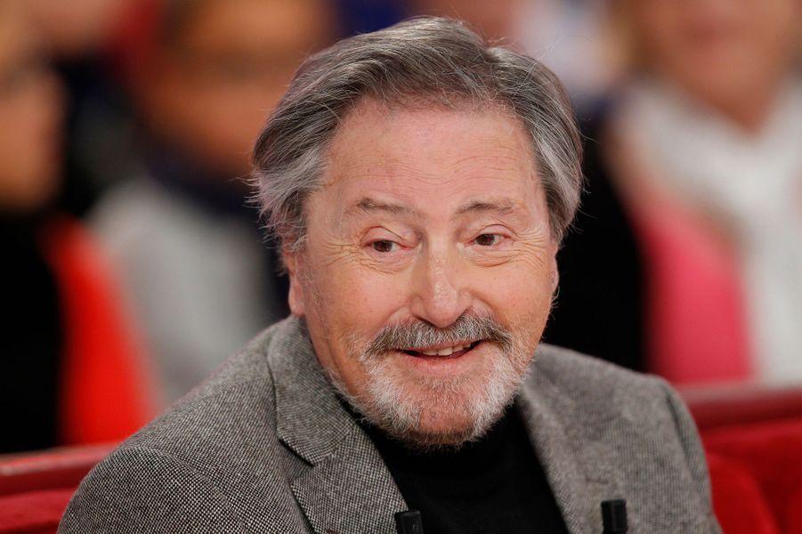 Victor Lanoux lors de l'enregistrement de Vivement Dimanche, le 12 novembre 2014