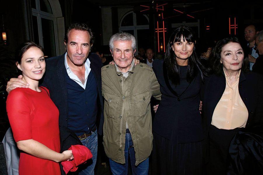 Autour de Claude Lelouch et de Valérie Perrin, Nathalie Péchalat, Jean Dujardin et Anouk Aimée.