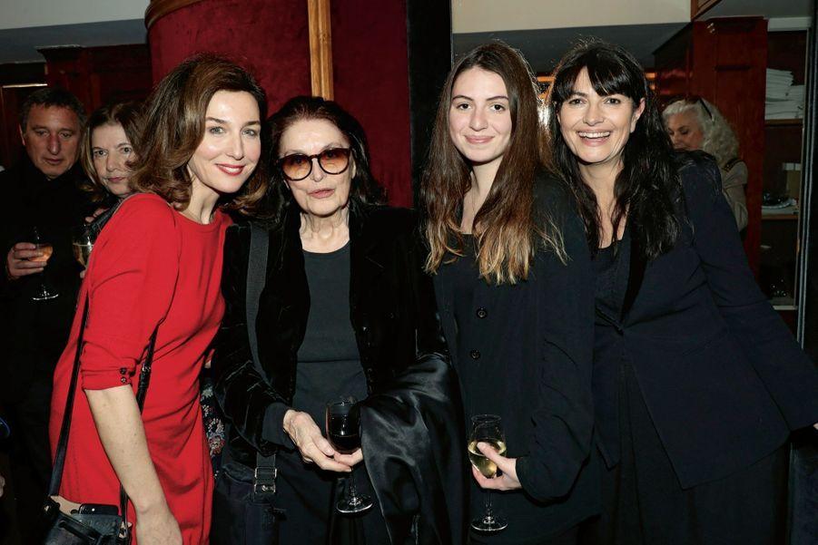 Elsa Zylberstein,Anouk Aimée, Tess Lauvergne, Valérie Perrin.