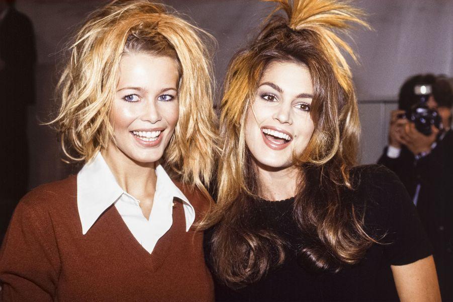 Claudia Schiffer et Cindy Crawford au défilé Chanel à Paris en 1993