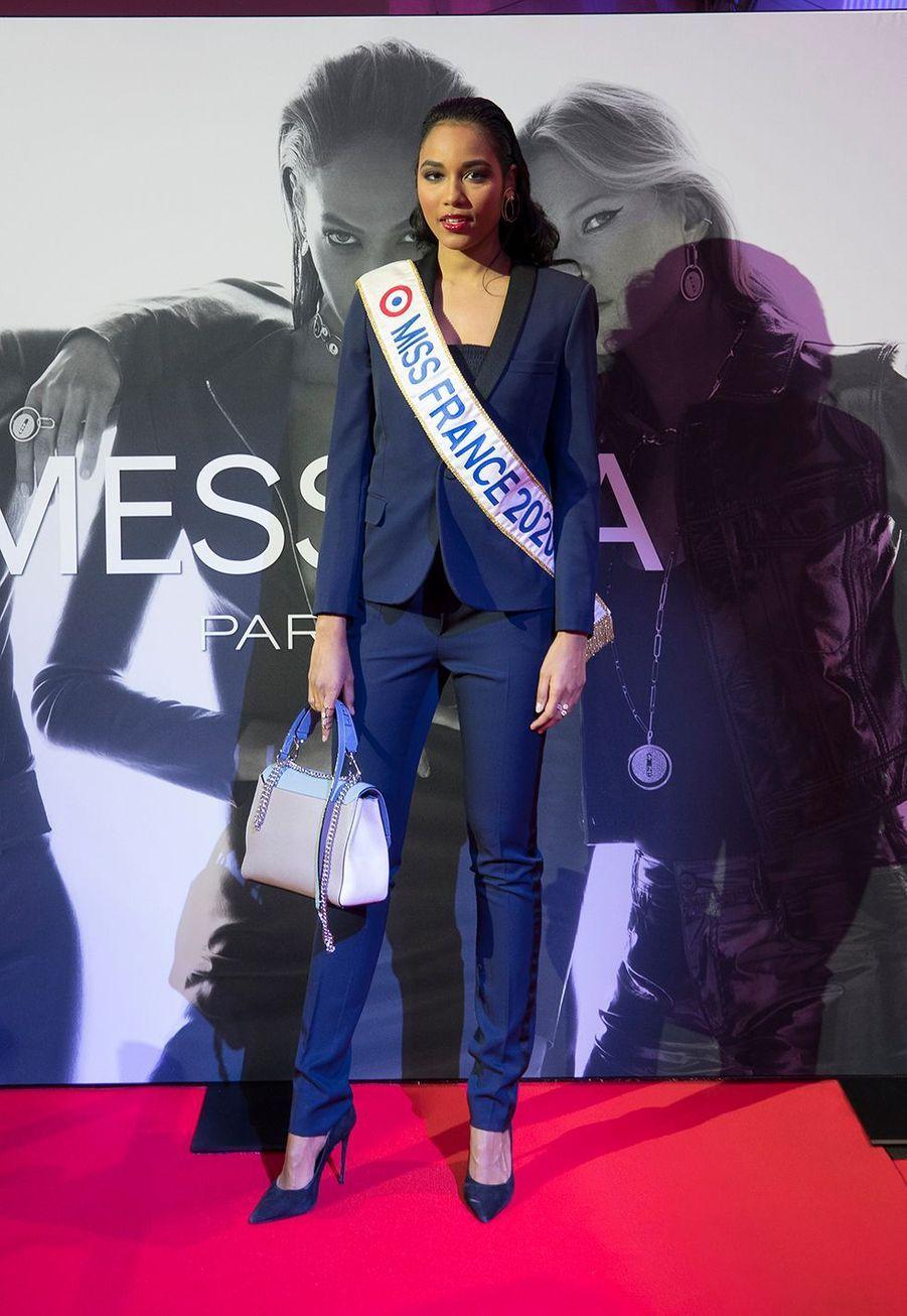 """Clémence Botinoassiste à la soirée de gala du nouveau tournoi de tennis WTA l'""""Open 6ème Sens"""" à Lyon, le 7 mars 2020."""