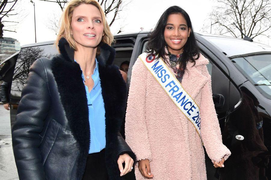 Sylvie Tellier et Clémence Botino, Miss France 2020, à Paris le 16 décembre 2019