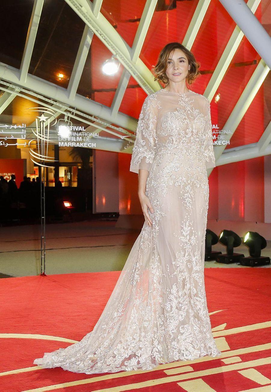 Clotilde Courau assiste à la cérémonie d'ouverture du 13ème Festival international du film de Marrakech le 29 novembre 2013.