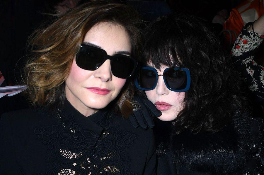 Clotilde Courau et Isabelle Adjani au défilé Elie Saab mercredi