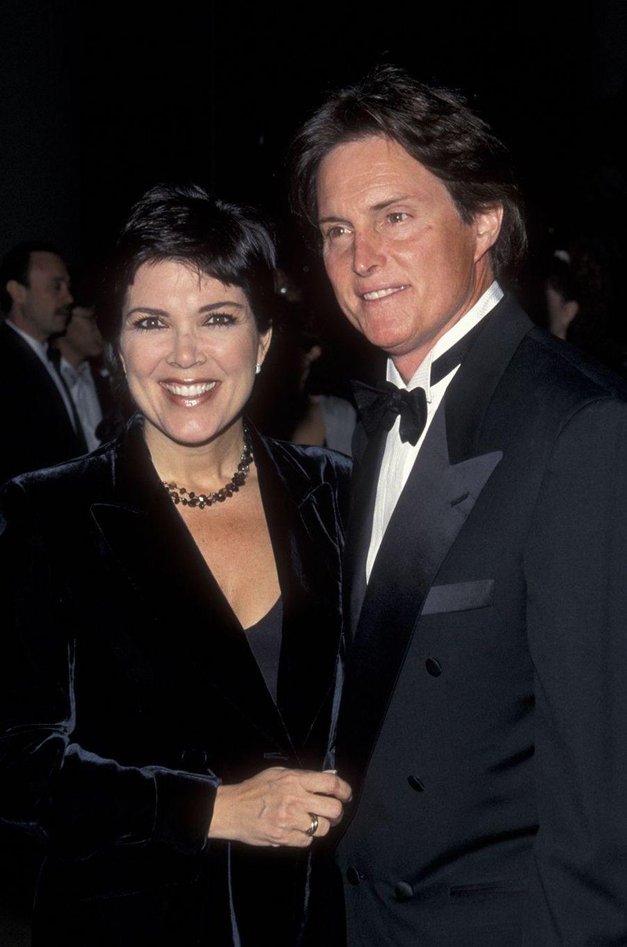 Kris et Bruce Jenner lors d'un gala caritatif à Beverly Hills en mars 1999