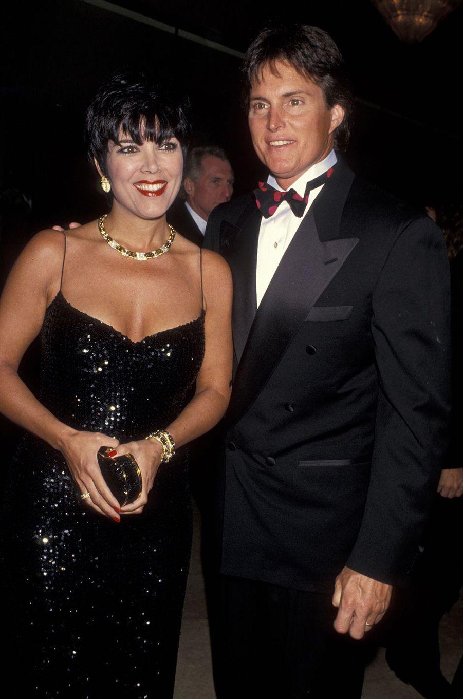 Kris et Bruce Jenner lors d'un gala caritatif à Beverly Hills en décembre 1993