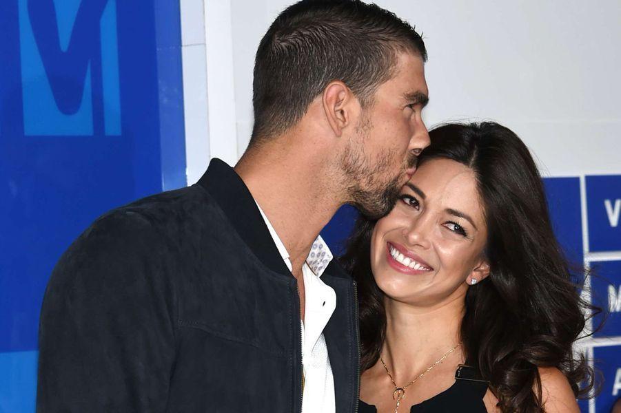 Michael Phelps et son épouse Nicole ont fait la Une des journaux people pendant les JO de Rio.
