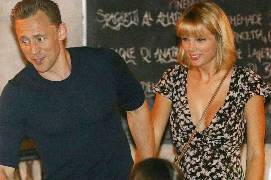 Taylor Swift et Tom Hiddleston, le coup de foudre de l'été.