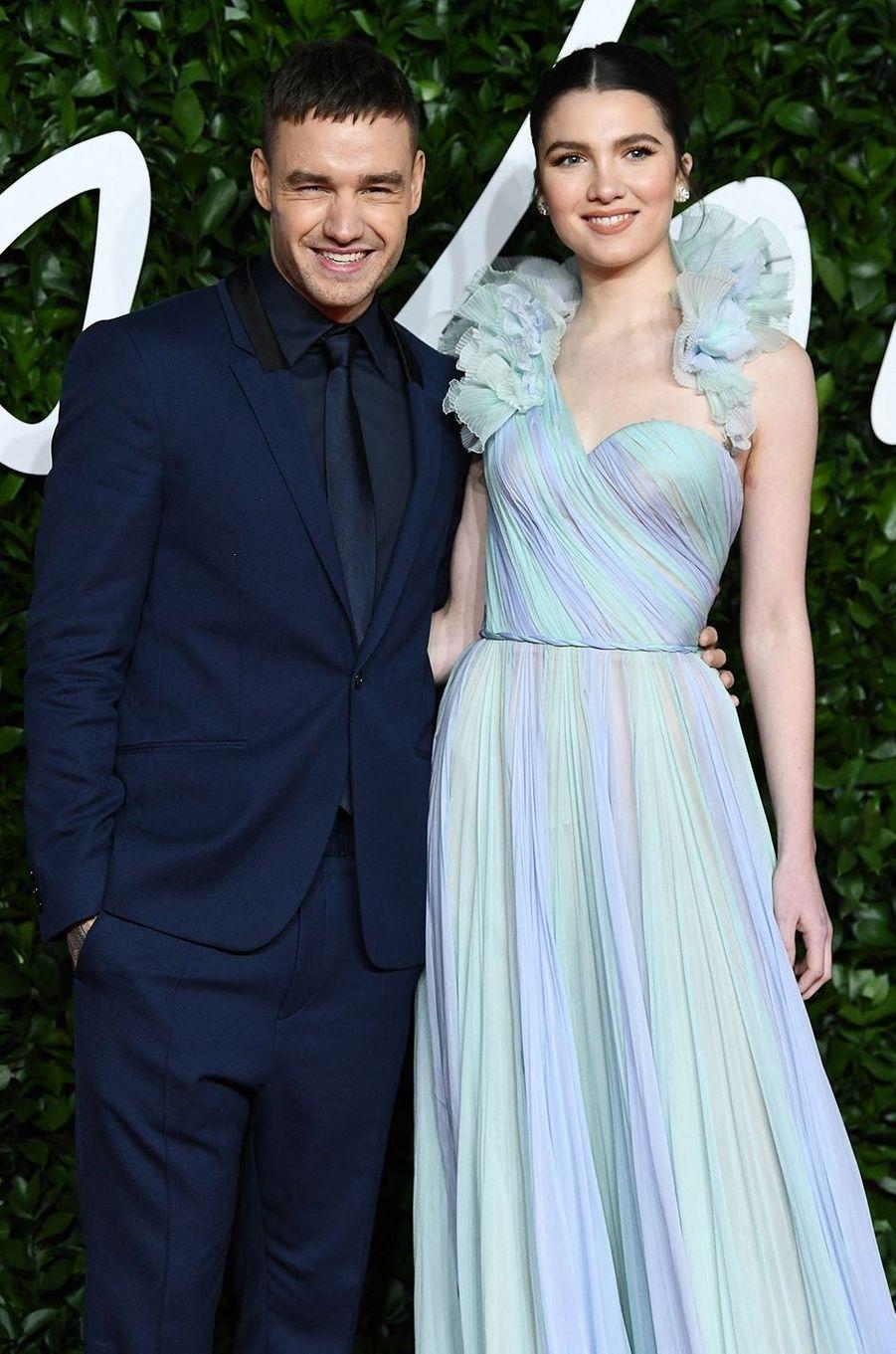 Après deux années de relation, Liam Payne a officialisé ses fiançailles avec Maya Henry en septembre 2020 sur le plateau de «Good Morning America».