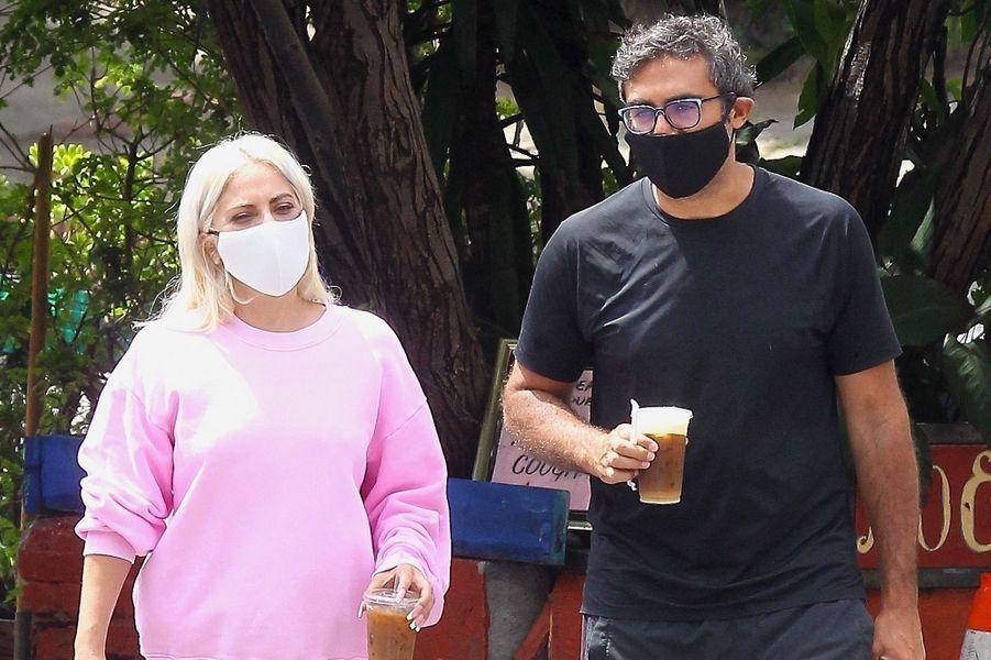 Lady Gaga a officialisé sa romance avec Michael Polansky, un entrepreneur, en février 2020 lors d'une soirée organisée en marge du Super Bowl