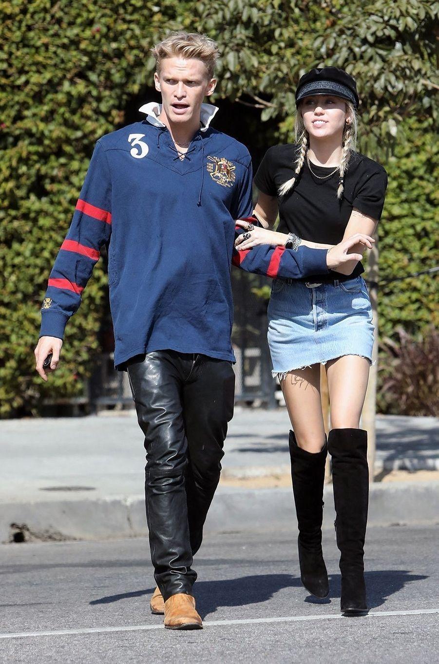 Miley Cyrus a confirmé en août 2020 sa séparation d'avec Cody Simpson après 10 mois de relation.