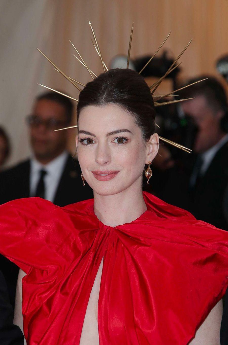 Anna Hathaway au Met Gala 2018