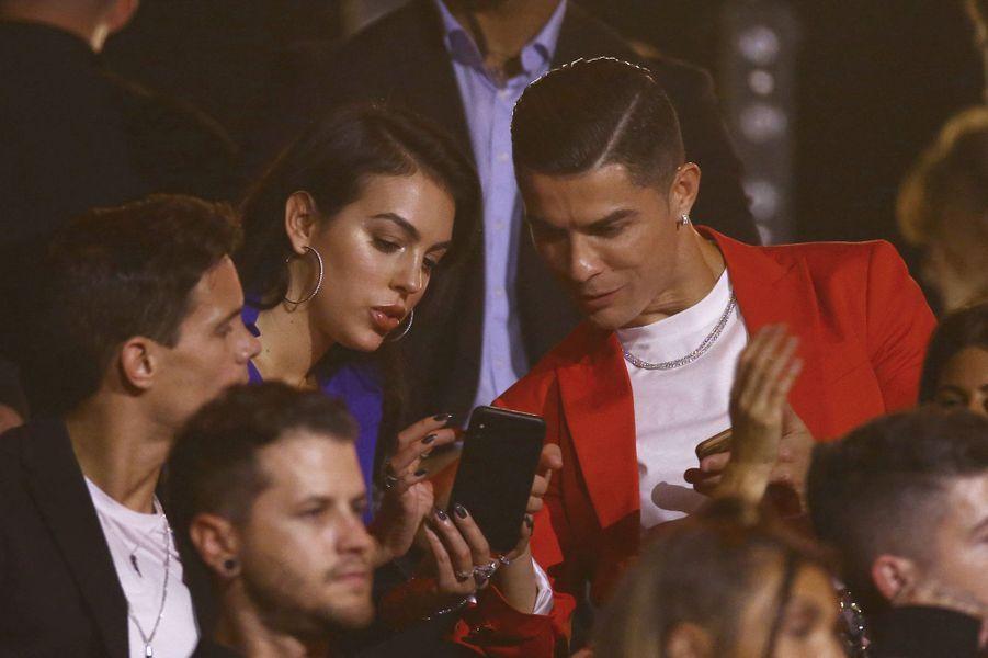Georgina Rodriguez et Cristiano Ronaldo auxMTV Europe Music Awards à Séville le 3 novembre 2019