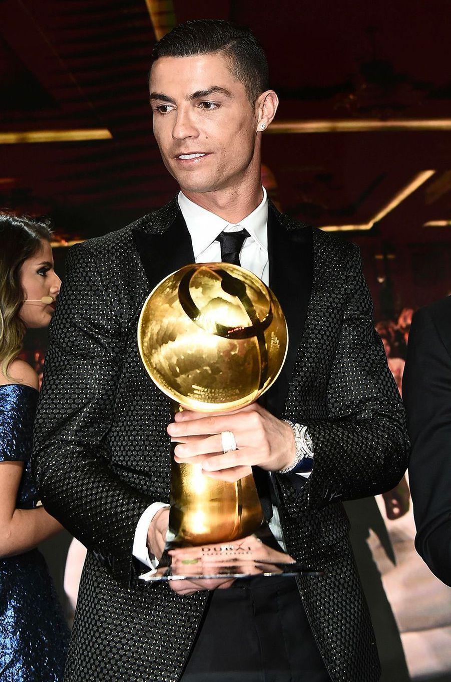 Cristiano Ronaldo élu meilleur joueur de l'année 2018 à Dubaï