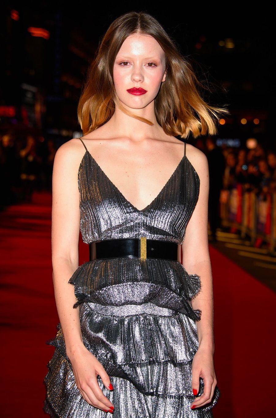 """Mia Goth à l'avant-première de """"Suspiria"""" à Londres, mardi 16 octobre"""