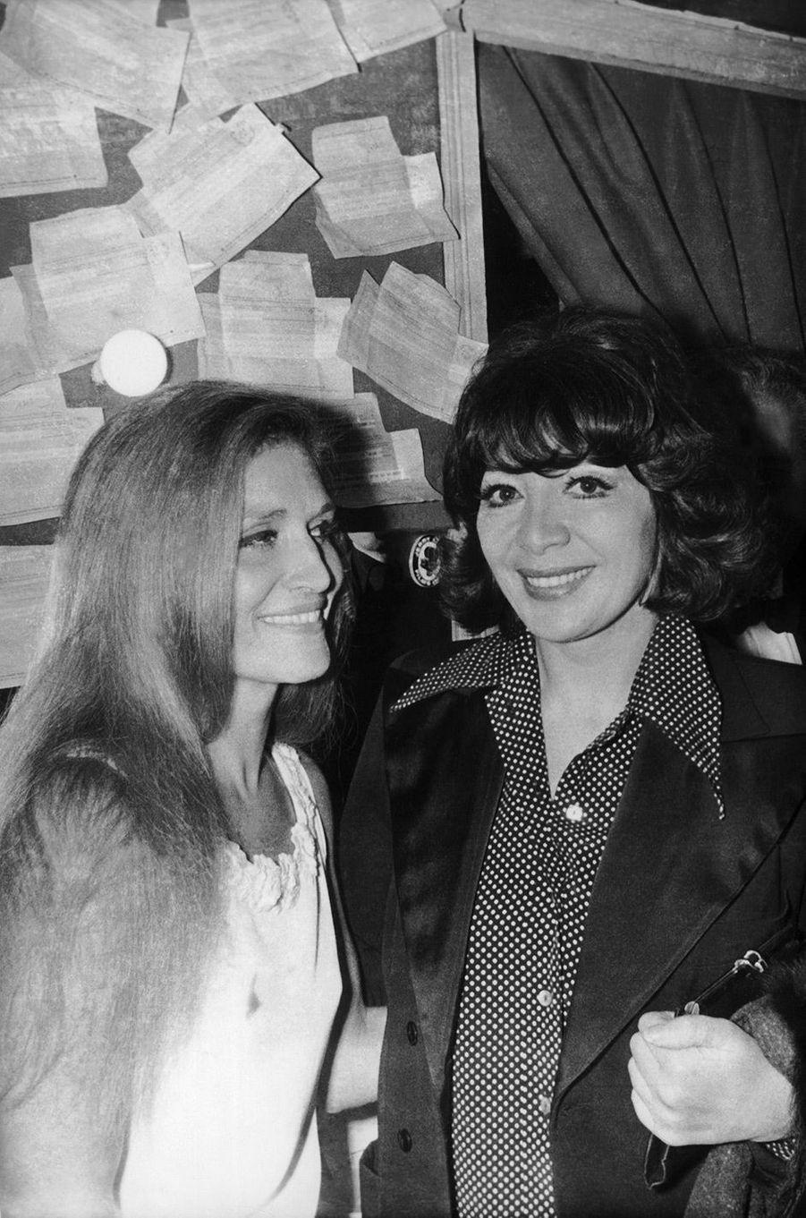 Dalida avec Juliette Greco en 1971