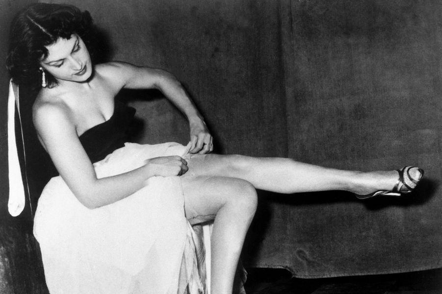 Dalida en 1954