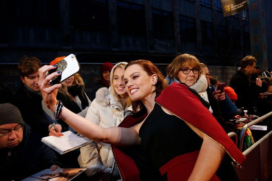 Daisy Ridleysur le tapis rouge des BAFTA 2017, le dimanche 12 février 2017.