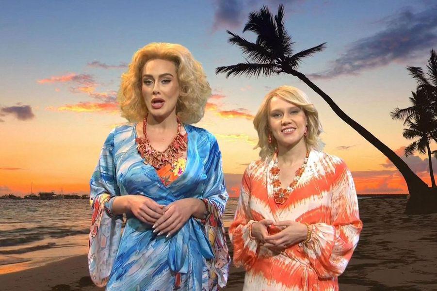 Adele et Kate McKinnondans l'émission«Saturday Night Live» diffusée le 24 octobre 2020