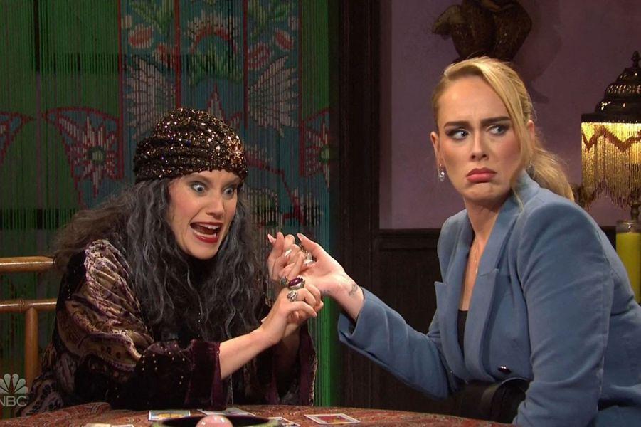 Kate McKinnon et Adeledans l'émission«Saturday Night Live» diffusée le 24 octobre 2020