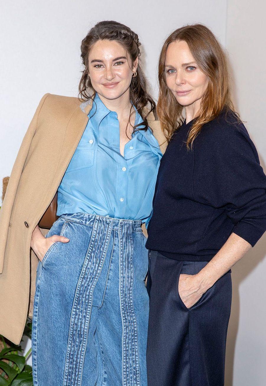 Shailene Woodley et Stella McCartneyau défilé Stella McCartney collection prêt-à-porter Automne/Hiver 2020-2021 à l'Opéra Garnier, le 2 mars 2020.