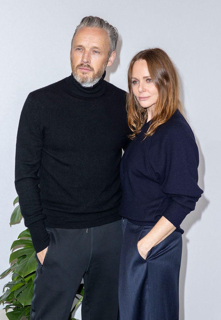 Stella McCartney et son mari Alasdhair Willisau défilé Stella McCartney collection prêt-à-porter Automne/Hiver 2020-2021 à l'Opéra Garnier, le 2 mars 2020.