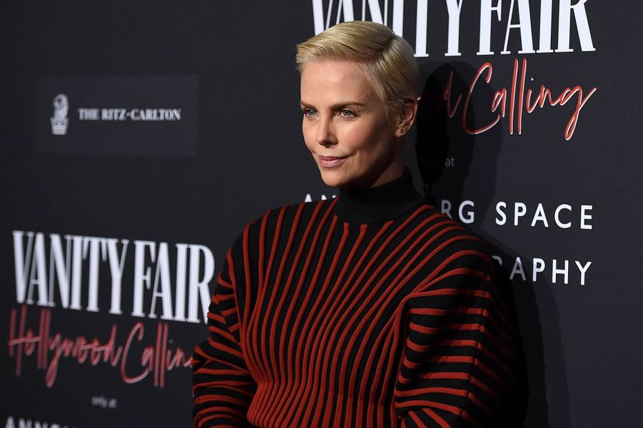 Charlize Theron lors de l'inauguration de l'exposition «Vanity Fair : Hollywood Calling» à Los Angeles le 4 février 2020.