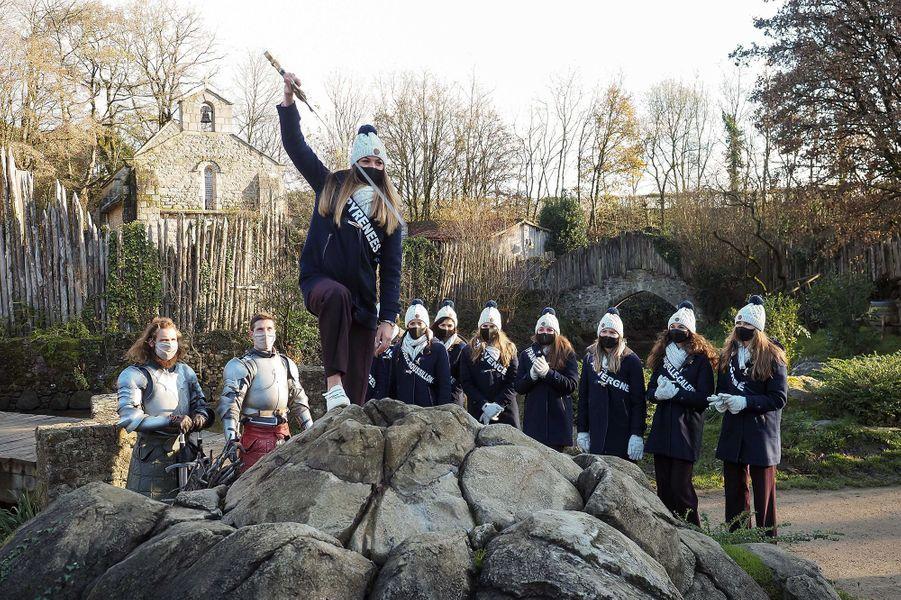 Les Miss participent à des activités ludiques au Puy du Fou, en marge de la préparation au concours Miss France 2021
